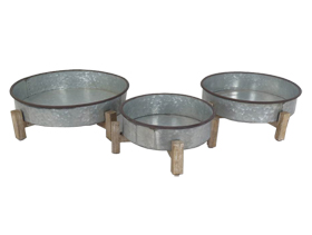 Triple Antique Iron Basins with Wood Collet